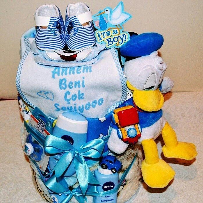 Торт из подгузников для мальчика.