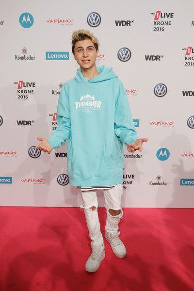 Lukas Rieger attends the 1Live Krone at Jahrhunderthalle on December 1, 2016 in Bochum, Germany.