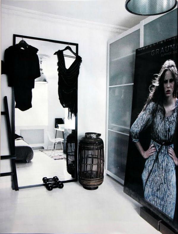 25 beste idee n over grote spiegel op pinterest spiegel meubels paars interieur en hal spiegel - Ouderlijke doucheruimte kleedkamer volgende ...