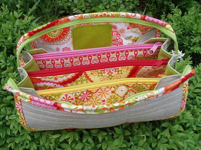 sew together bag ~ This would be fun to make with thrift shopped zipper wallets....to sew them all together for a bigger bag!
