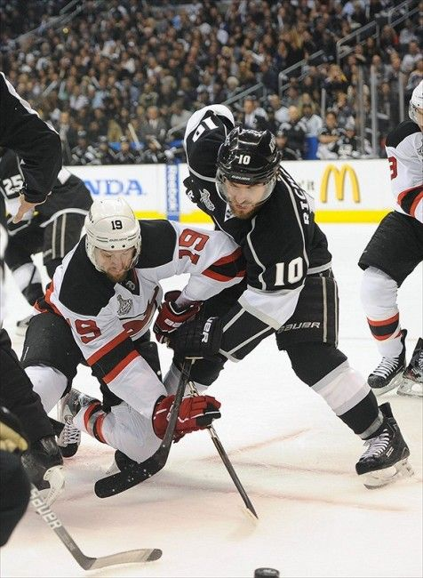 The Decline and Fall of the Kings' Mike Richards - http://thehockeywriters.com/the-decline-and-fall-of-mike-richards/