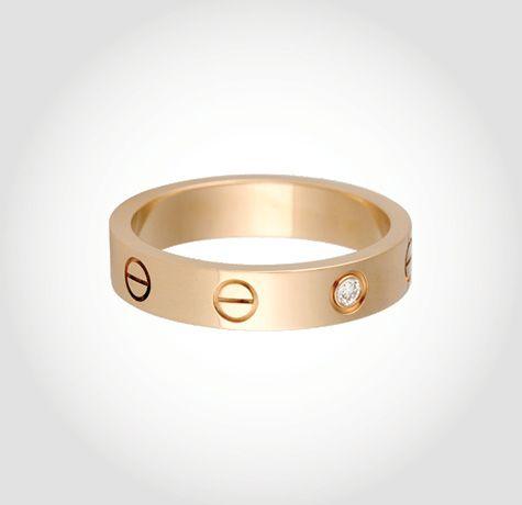 10 Discreet Engagement Rings — Vogue