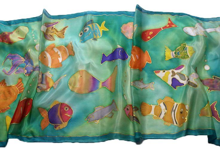 Minden gyerkőc megrajzolta a saját halacskáját, ebből állt össze ez a csodaszép selyemsál - ajándék ötletek tanároknak, óvónéniknek ballagásra: http://silkyway.hu/ajandek-noknek/ajandek-ballagasra-tanaroknak-ovonoknek.html