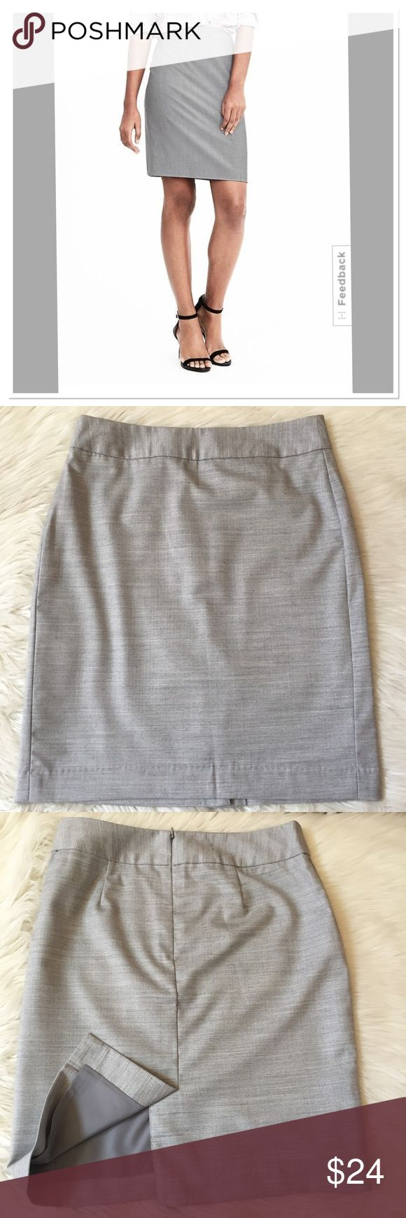 Banana Republic pencil skirt NWOT Gray herringbone style print .  Has a back zipper and slit.  Also has under lining.  It measures 19.5 inches in length.  New with out tags. Banana Republic Skirts Pencil