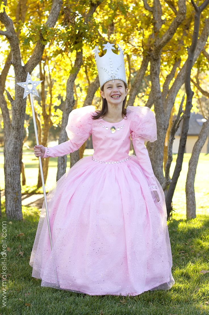 Best 20+ Glinda costume ideas on Pinterest | Wicked costumes ...