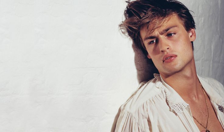 All news and gossip about new Romeo Douglas Booth including girlfriend and new films in work