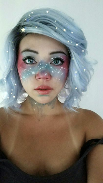 Space freckles and galaxies and shit. Totally feeling myself today. Btw this makeup is based off the work of qinniart