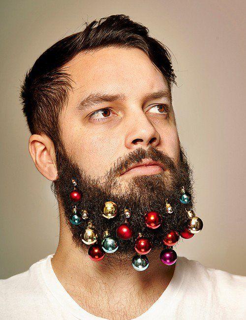 Les boules de Noël, oh ça c'est rigolo. Faut absolument que j'appelle Armand.
