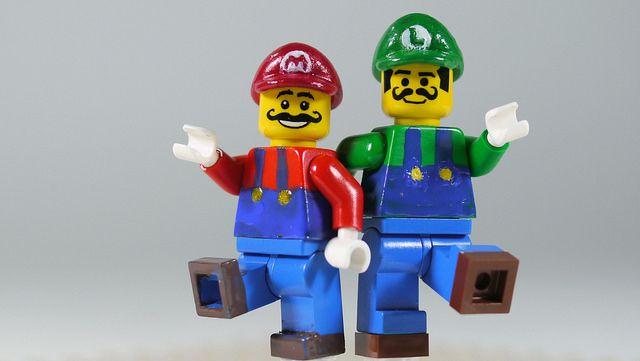 LEGO Mario & Luigi | See how to build it: www.youtube.com/wa… | Flickr