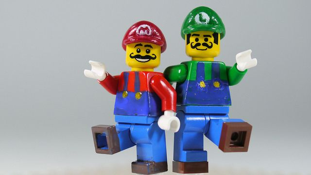 LEGO Mario & Luigi | See how to build it: www.youtube.com/wa… | Flickr