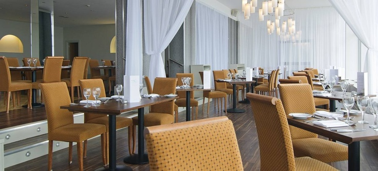 Restaurant - Fistral Beach Hotel, Newquay, Cornwall #checkinchillout
