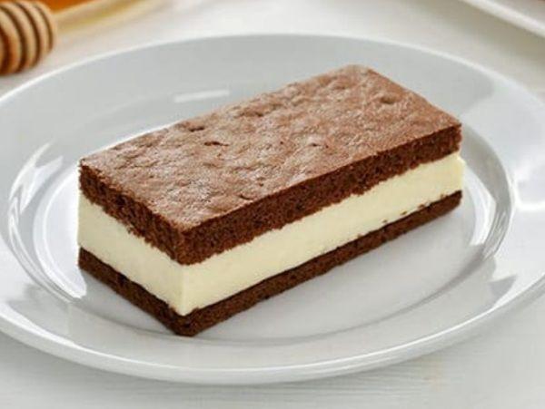 Торт птичье молоко приготовленный по авторскому оригинальному рецепту из мягкого шоколадного бисквита с нежнейшим ароматным кремом-желе