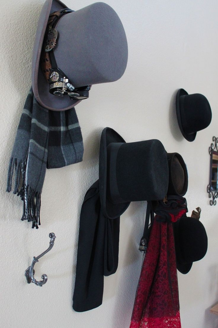 how to put hat in wall