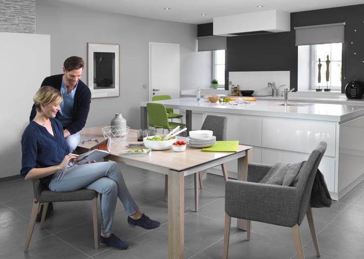 Collectie Prima-Lux en Idee+: moderne eettafel met stoelen