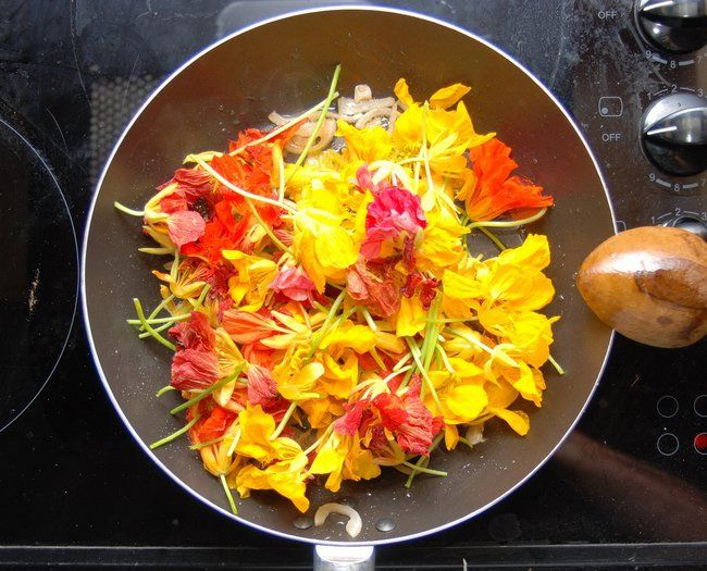 fleurs-comestibles. 42 fleurs que vous pouvez manger