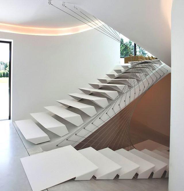 Las 25 mejores ideas sobre escaleras de concreto en for Escalera interior barata