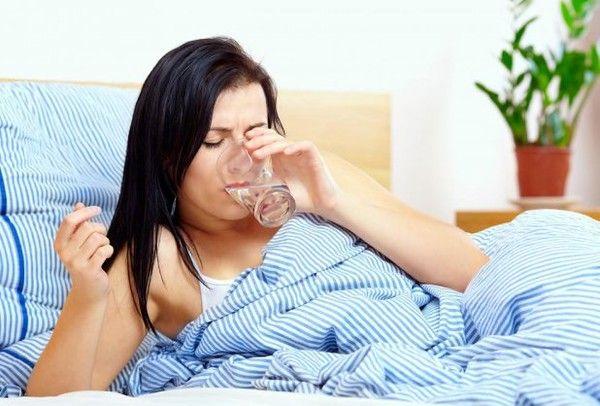 Toată lumea ştie că nutriţioniştii recomandă consumăm cel puţin doi litri de apă pe zi pentru a fi mereu hidrataţi..