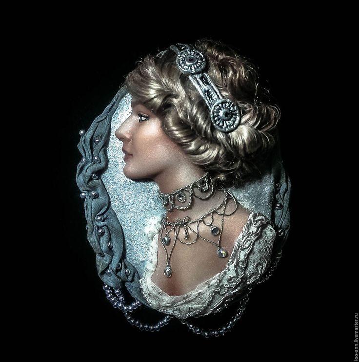 """Купить """"Серебряная Лили"""" - серебряный, Лили Элси, полимерная глина, шелк натуральный, ручная работа"""