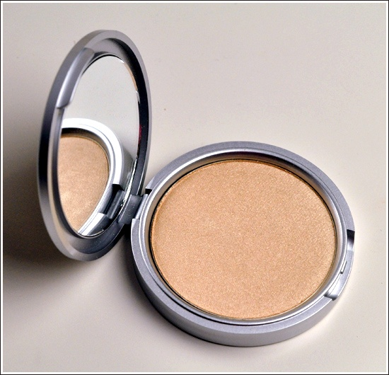 Mary Lou Manizer HighlighterPhotos, Manizer Highlights, Thebalm Marylou, Thebalm Mary'S Lou, Mary'S Lou Manizer, Marylou Manizer, Makeup Products, Face Powder, Swatches
