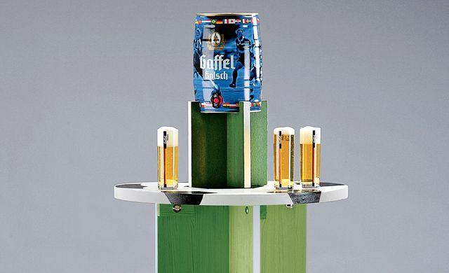 die besten 25 biertisch ideen auf pinterest bier pong tische gie harz und harztisch. Black Bedroom Furniture Sets. Home Design Ideas