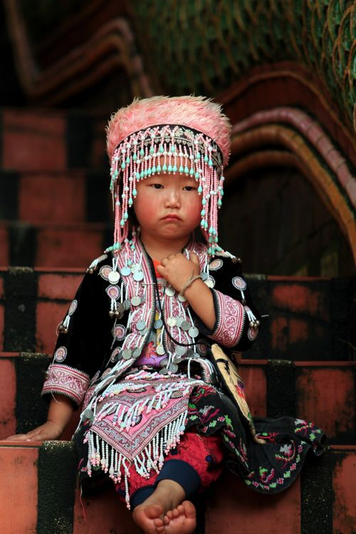 Wat Doi Suthep, Chiang Mai, ThailandDoi Suthep, Little Girls, Interesting People, Wat Doi, Children, Thailand Girls, Baby Outfit, Beautiful Face, Chiang Mai