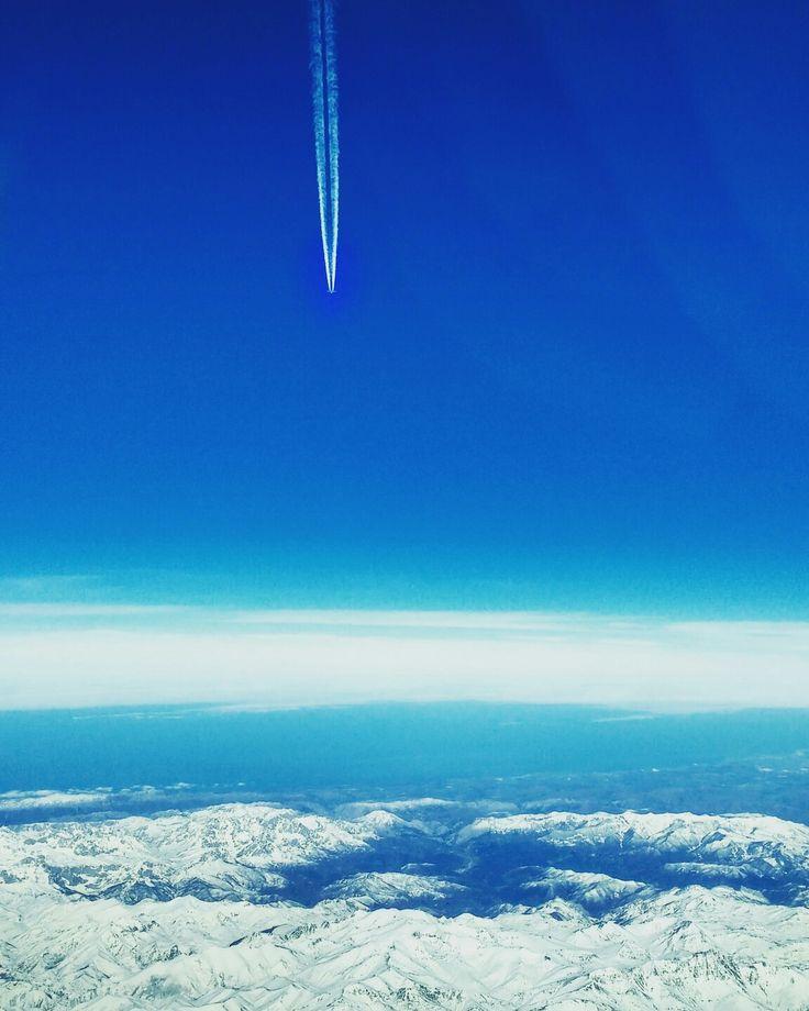 Avião cadente sobre a neve #picosdeeuropa #aviao