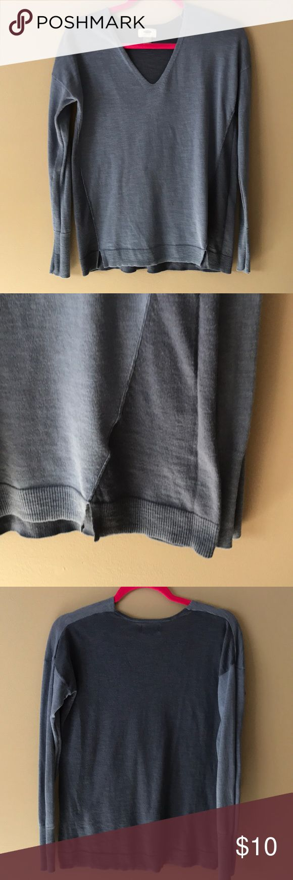 Old Navy blue color block sweater Blue Old Navy colorblock sweater. Light and soft , with small slit detail and two tones of blue. Versatile and comfortable!  Willing to offer discount on sweater bundles - need to clear out! Old Navy Sweaters V-Necks