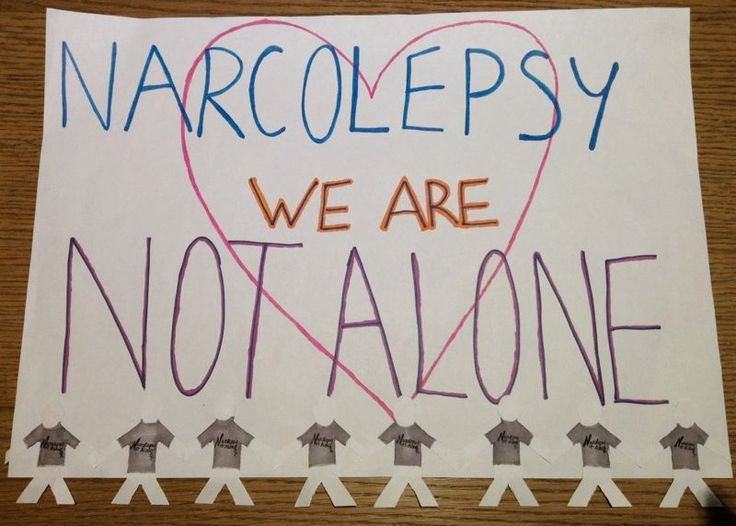 Lucy's amazing #NARCOLEPSYNotAlone sign has little figures all wearing #NARCOLEPSY NOT ALONE t-shirts!