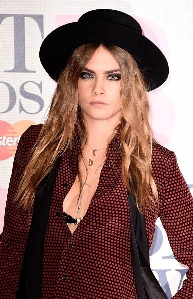 'Paper Towns' Cast Member Cara Delevingne Debunks Rumors She Split With Girlfriend St. Vincent! - http://imkpop.com/paper-towns-cast-member-cara-delevingne-debunks-rumors-she-split-with-girlfriend-st-vincent/