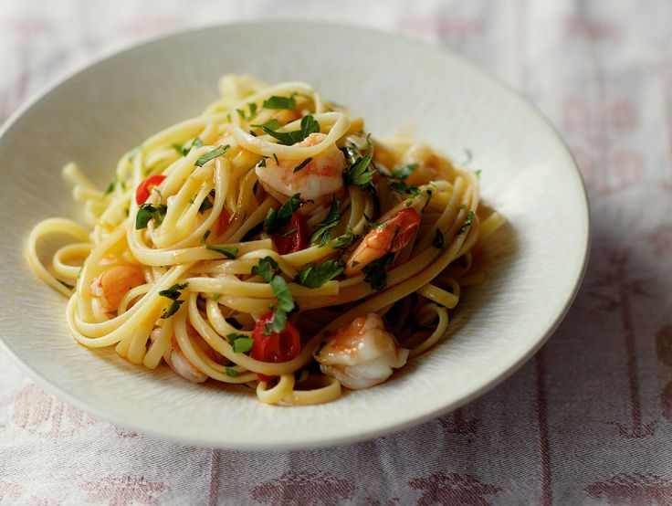 Linguine with prawns, lemon and parsley.