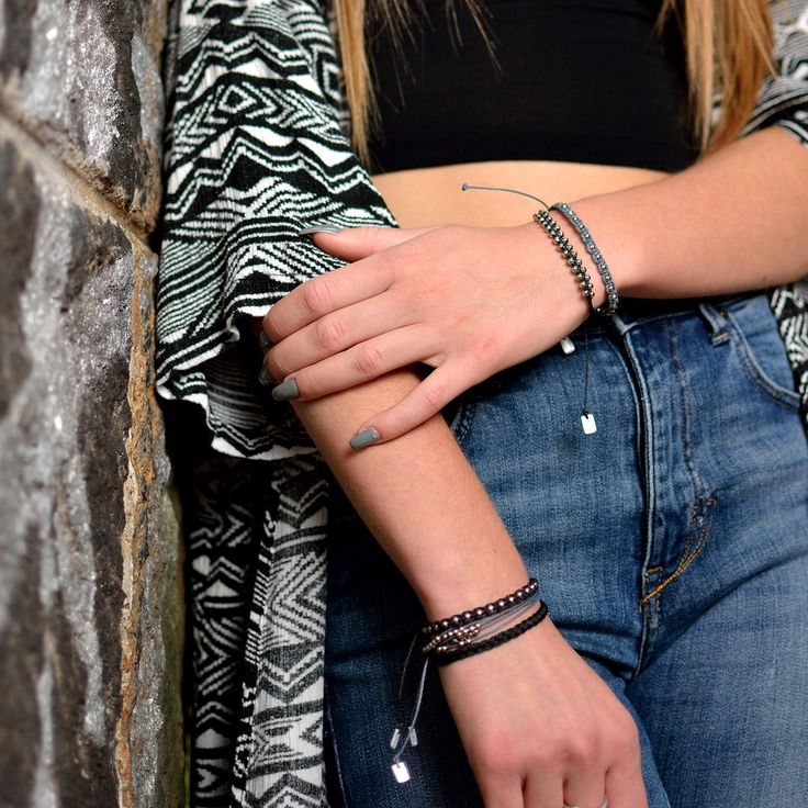 hand made friendship bracelets, strings bracelets, boho style, bohemian, hippie, jewelry diy, macrame bracelets, bracelets diy