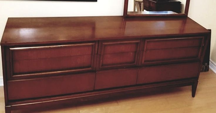 Stunning mid century dresser. Could be yours if you bid today! At $15 at the moment https://auction.blackpearlemporium.ca/m/#/auction/34/item/wide-midcentury-dresser-with-pivoting-mirror-983 #collingwood #auctions #furniture #vintage #antiques #midcentury #classic #wood #bitcoin #onlineauction #bargains #collector #homedecor #homefurnishings #homerenovation