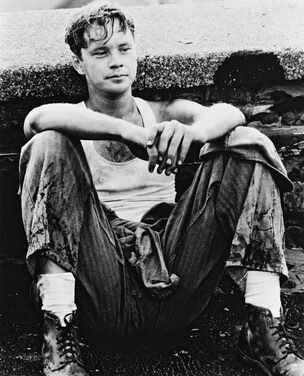 "Tim Robbins as ""Andy Dufresne"" in ""The Shawshank Redemption"", 1994    "" A bottle of suds"".  ♥♥♥"