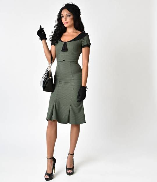 Try not to panic, darlings, because this elegant frock can only be found at Unique Vintage! The perfect combination of classy and coy, the Stop Staring! Railene Dress is smart, ladylike and incredibly flattering. The fabric offers a curve-hugging fit whil
