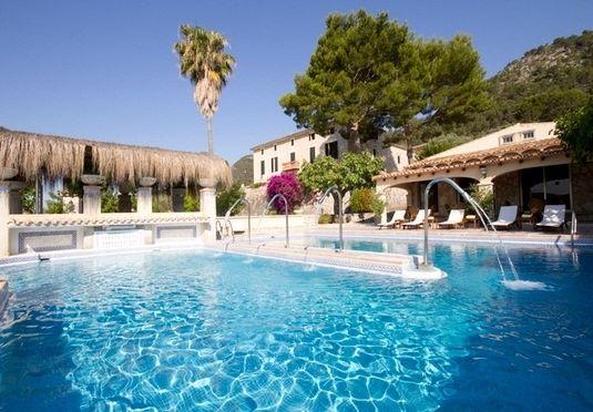 Solrejse til Mallorca og autentisk landejendom med lækkert poolområde, inkl. fly, morgenmad og billeje – afrejse mellem august - december 2017