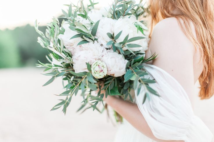 Hochzeitsfotograf, Karlsruhe, Speyer, sand, beach, wedding photography, Germany, dress, gown, sunset, german, Hochteitsfotografie, photographer, portrait, model, styled shoot, bride, bridal inspiration, Braut, flower crown, olive branch, bouquet, peonies, peony, eucalyptus