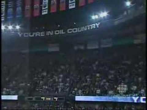 Edmonton Oilers Fans sing O Canada (Still one of the coolest things ever)
