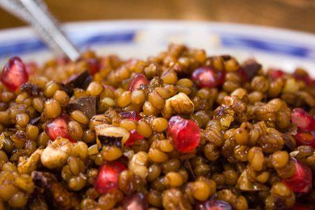 Grano cotto. La ricetta per la preparazione del grano cotto, dolce pugliese che si prepara per la festività dei morti.
