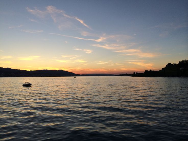 Sunset on the lake of Zürich.