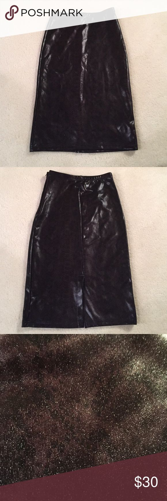 Topshop skirt NWOT New never worn 3rd pic shows upfront skirt has a sheen faint snake skin look too cool Topshop Skirts