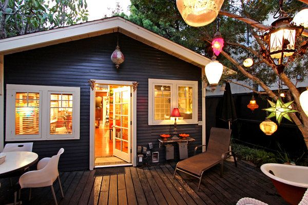 Google Image Result for http://beachbumsrealty.com/wp-content/uploads/2013/01/Venice-CA-home-for-sale-called-the-Lantern-House-sold-by-Venice-real-estate-agents.jpg