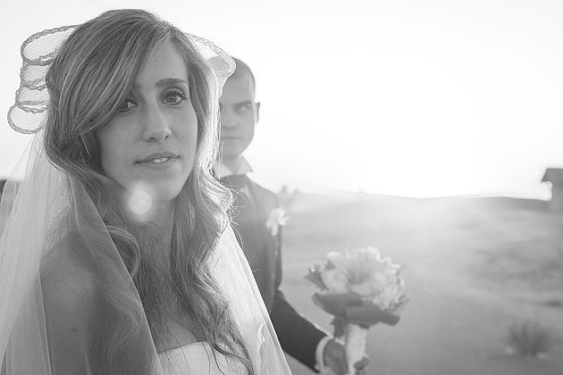 Sesión de novios en Cáceres · Fotógrafo de Bodas Badajoz | Estrella Díaz Photovisual www.estrelladiaz.es #postwedding #wedding #love #couple #photography #Caceres#postboda #boda #parejas #fotografía #fotógrafa #bride #flowers #bouquet