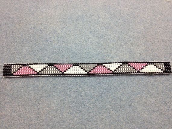 Pink And Grey Loom Bracelet Pattern by PatienceWearOnYou on Etsy