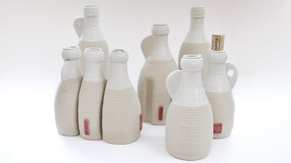Dutch Design duo behind Vormvrij 3D are pioneering an innovative ceramic printer that is easy to use and capable of producing large ceramics. Despite the difficulties that accompany ceramic materials like clay, their printer is capable of producing objects that can be up to 85 cm tall and have a base of some 60 by 80 cm.