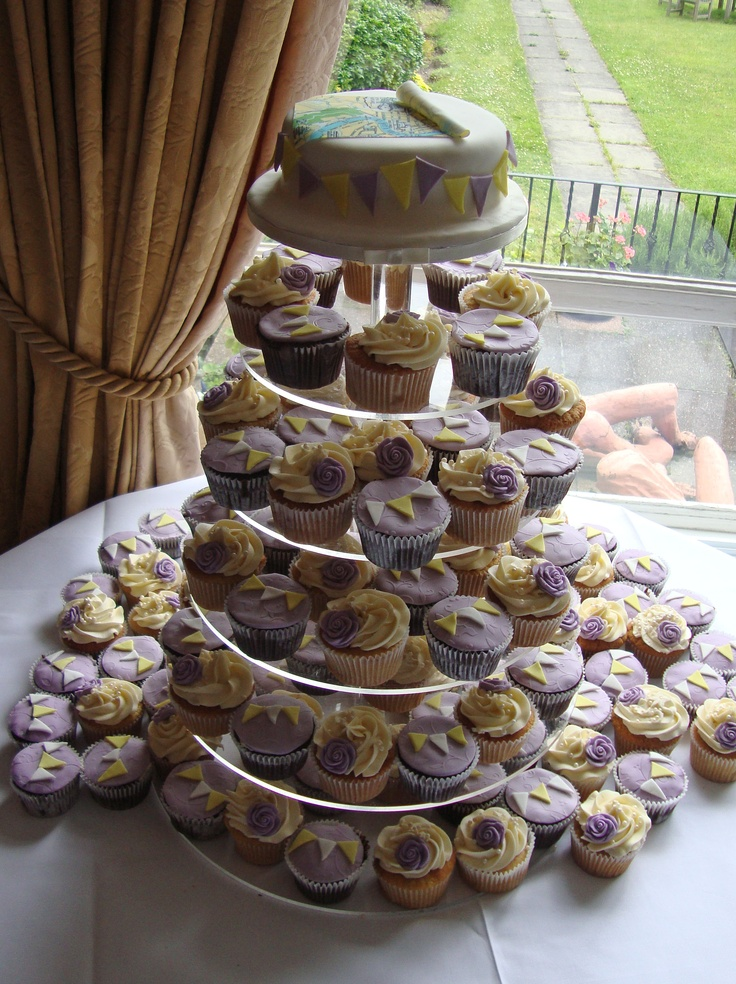 Wedding Cupcakes with Bunting Theme