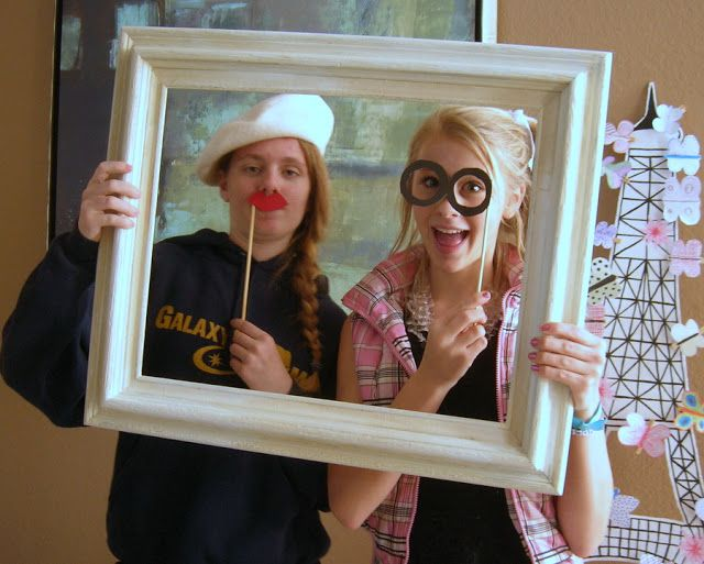 Must borrow a few ideas from Cheap Chic Home: Paris Themed Party Games