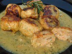 Albóndigas de salmón al eneldo Ana SevillaIngredientes: -500 gr. salmón limpio -120 gr. cebolla -2 dientes ajo gordos -perejil -1 rebanada pan de molde -20 gr. aceite oliva -eneldo seco -pimienta -sal