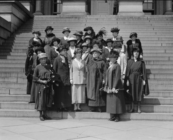 A ideia da existência de um dia internacional da mulher surge na virada do século XX, no contexto da Segunda Revolução Industrial e da Primeira Guerra…