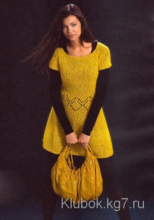 Вязаное спицами желтое платье из мохера   Клубок