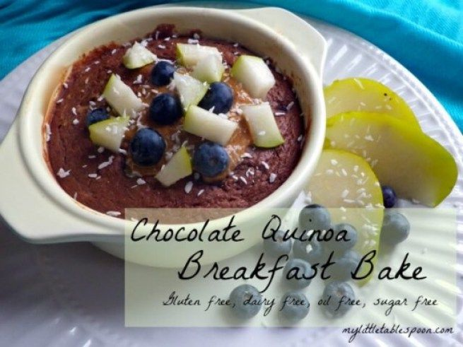 Chocolate quinoa breakfast bake. Gluten Free, Vegan, Oil Free, Sugar Free and ready in 5 minutes. CHOCOLATE CAKE FOR BREAKFAST! mylittletablespoon.com